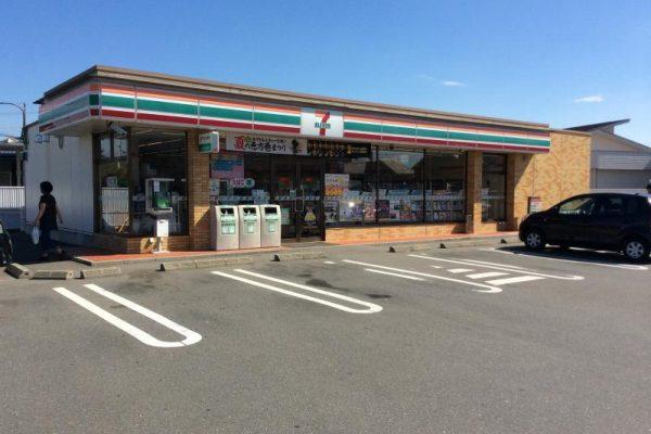 セブン-イレブン尾島亀岡店