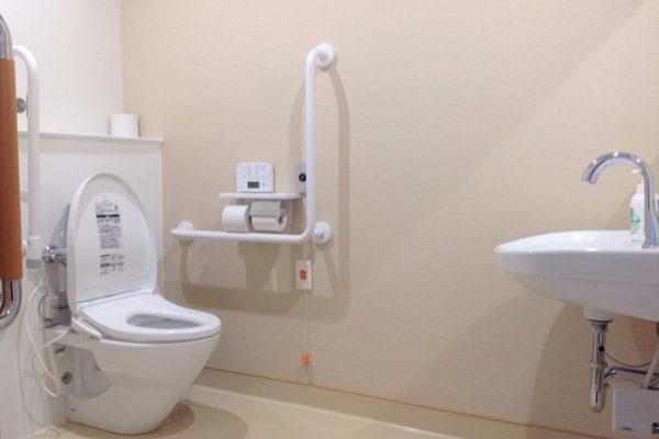 トイレ(車いすでも楽々)