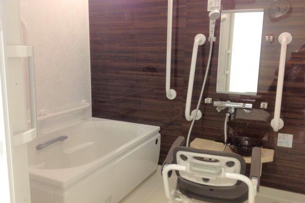 一般浴(介護用設備完備)