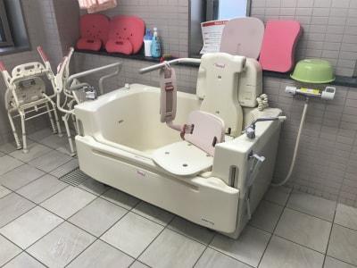 機械浴も御座いますのでご負担無く入浴が可能です