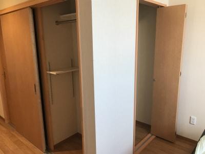 各居室にクローゼットが二箇所あり、収納箇所も沢山あります