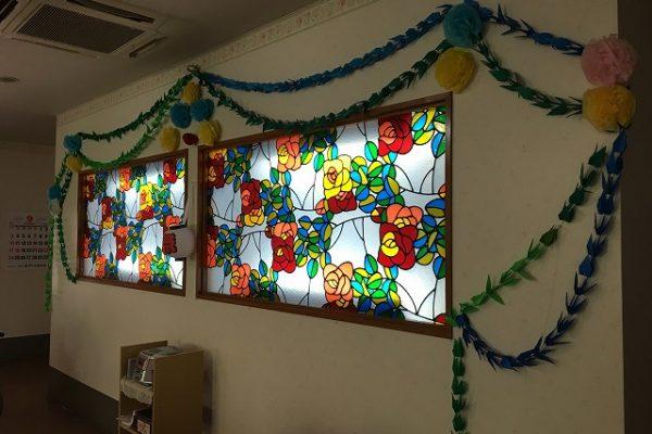 ホールのステンドグラス