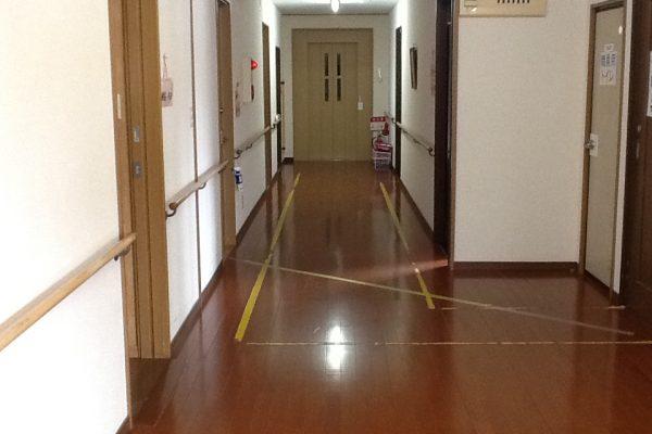 廊下(エレベーター)