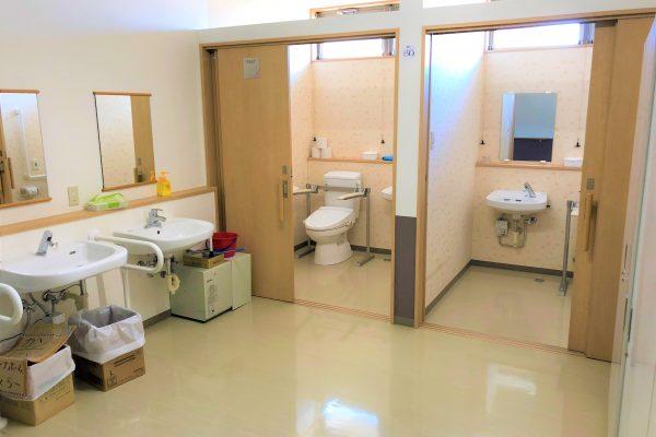 廊下のトイレ