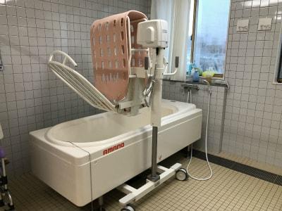 機械浴も御座いますので、寝たきりの方も安心して入浴できます