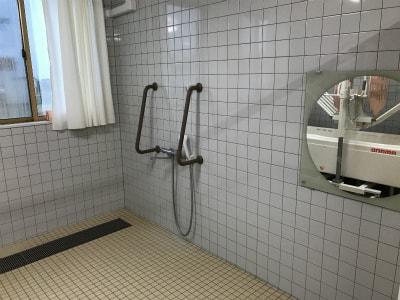 浴室も広々としたスペースが確保されています