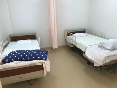 デイサービス参加中に休憩をしたい方には静養室も御座います。
