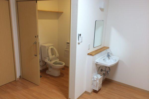 全室にトイレと洗面台が付いています!
