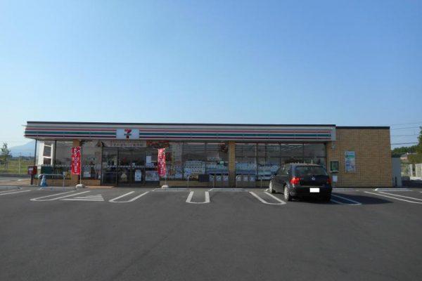 セブン-イレブン粕川中店
