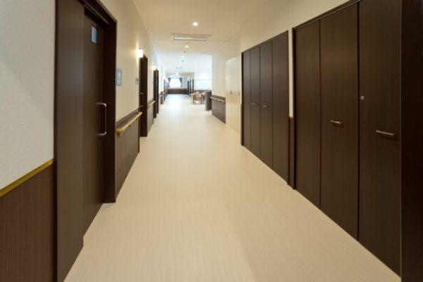 Aユニット 廊下