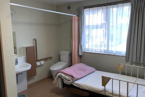 居室にはトイレ・洗面完備