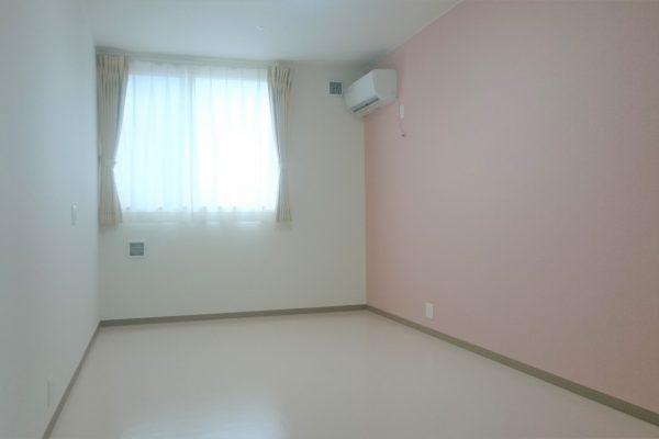 居室(ピンク)